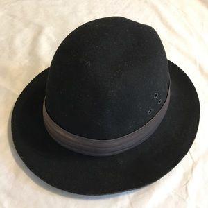 Accessories - Wide Brimmed Hat
